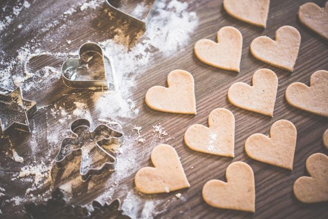 https://picjumbo.com/christmas-baking-lovely-yummy-hearts/